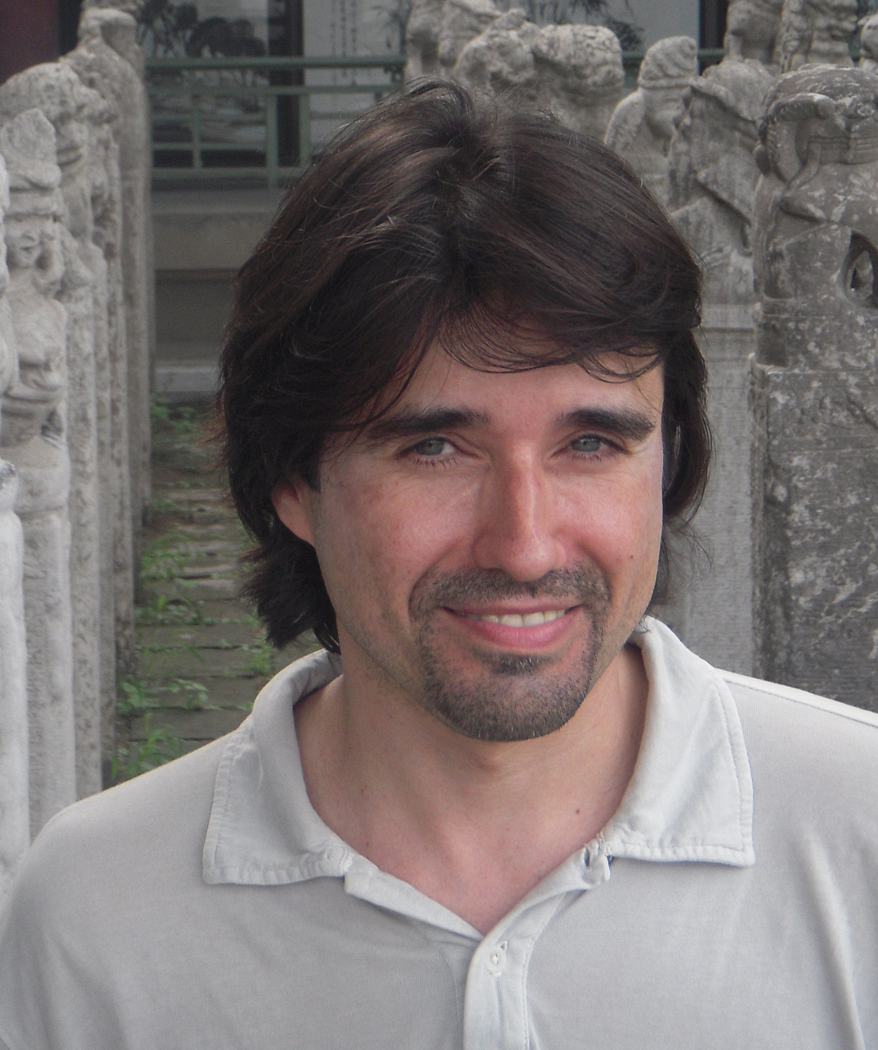 Toni Montesinos