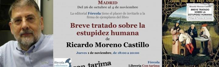 Firma de Ricardo Moreno Castillo en la Plaza Mayor
