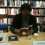 Daniel Attala leyendo a Samuel Johnson